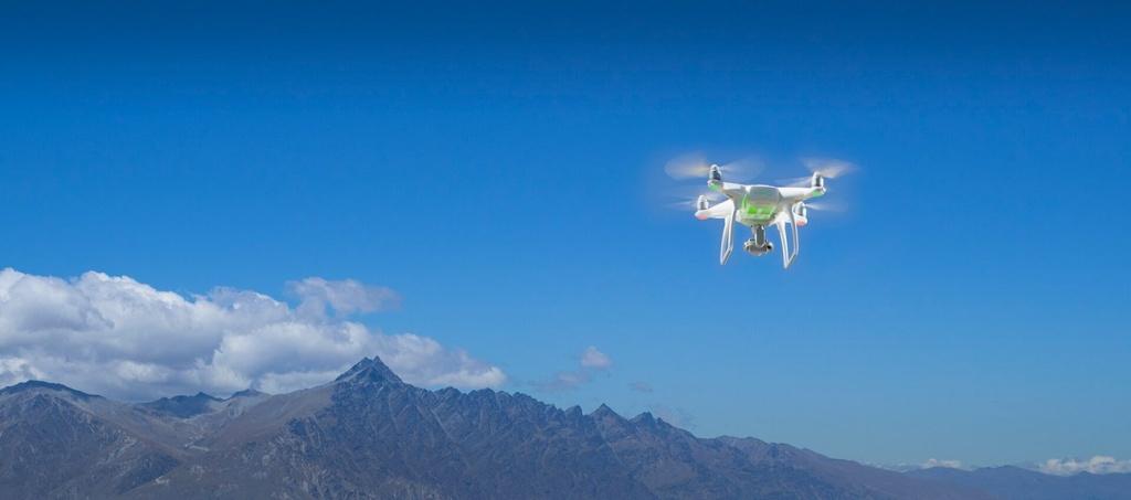dji-phantom-4-quadcopter-desc5.jpg